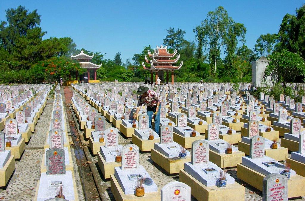 truong-son-cemetery-the-central-coast-7