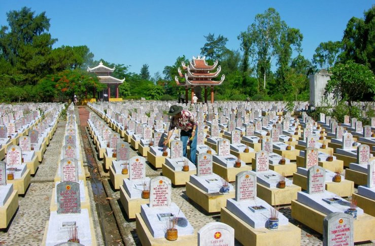 truong-son-cemetery-the-central-coast-7